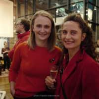 Tag 1 –  Festivalleitung Julia Scheck mit Elke Margarete Lehrenkrauss (Lovemobil) bei der Eröffnung des FilmFest in der Lagerhalle
