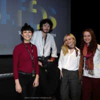 Tag 4 – Gäste des Wettbewerbs um den Kurzfilmpreis Ayla Sophia Franken & Philos Maurice Klein (Perpetuum Aion) und Elena Koptsev (Delivery Service) mit Moderatorin und Teammitglied Irina