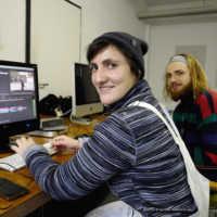Tag 4: FilmFest-Medienpädagoge Juli mit einer der TeilnehmerInnen der Festival-Jugendreporter