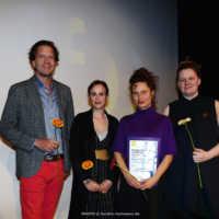 Tag 4: Gerrit Sievert von der Sievert-Stiftung gemeinsam mit Friedenspreisjury Masha Matzke und Wiebke Thomsen sowie Friedenspreisträgerin Elke Margarete Lehrenkrauss (Lovemobil)