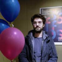 """Tag 1 – Regisseur Mickey Paatzsch zu Gast bei uns mit seinen Kurzfilm """"Mazel Tov Cocktail"""""""